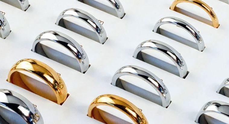 tipos de metales de argollas de matrimonio