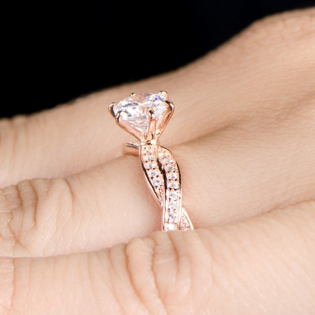 anillos-de-promesa-de-oro-amarillo