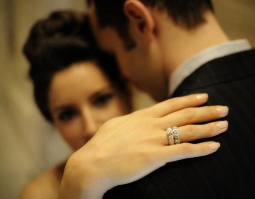 anillos de promesa para novios
