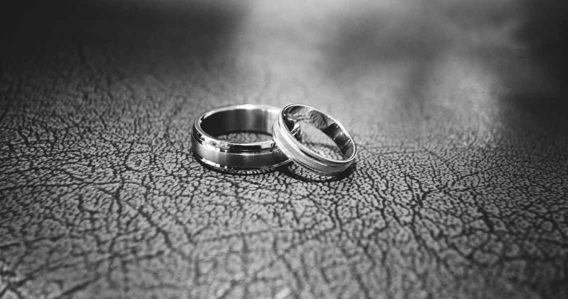 Platino vs titanio que es mejor para joyería
